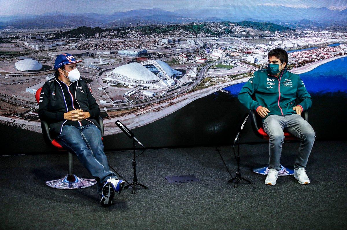 Fernando Alonso, Alpine F1 y Lance Stroll, Aston Martin en la rueda de prensa