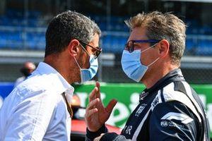 Michael Masi, Race Director, FIA, met Bernd Maylander, Safety Car-bestuurder, FIA