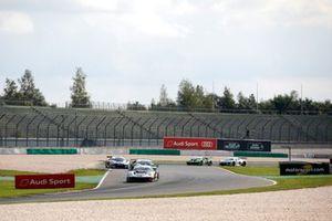 #74 Ku?s Team Bernhard Porsche 911 GT3 R: Joel Eriksson, Julian Andlauer