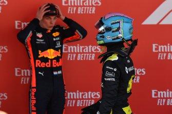 Daniel Ricciardo, Renault, et Max Verstappen, Red Bull Racing, troisième, dans le Parc Fermé