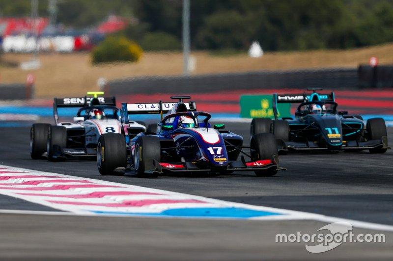 Devlin DeFrancesco, Trident, precede Fabio Scherer, Sauber Junior Team by Charouz and Jake Hughes, HWA RACELAB