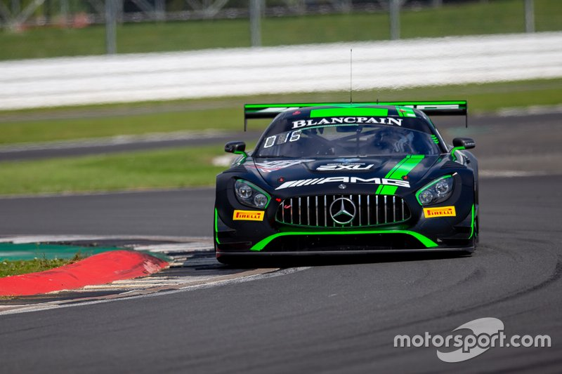 #43 Strakka Racing Mercedes-AMG GT3: Lewis Williamson, Dev Gore, Jack Hawksworth