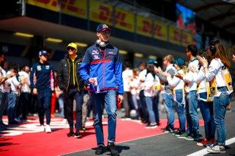 Daniil Kvyat, Toro Rosso, lors de la parade des pilotes