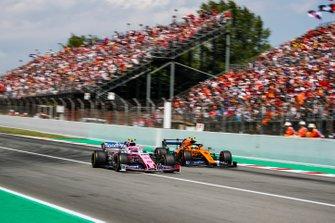 Lance Stroll, Racing Point RP19, battles with Lando Norris, McLaren MCL34