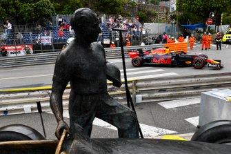 Max Verstappen, Red Bull Racing RB15, passes the Fangio memorial