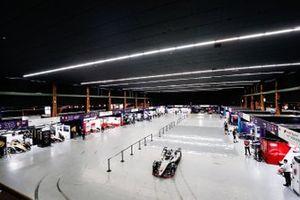 Los boxes en el Bern Expo