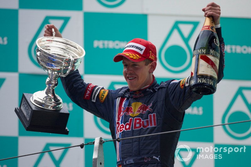 Sebastian Vettel, Red Bull Racing sur le podium