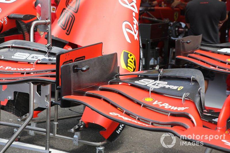Detalhe da asa dianteira da Ferrari