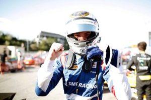 Robert Shwartzman, PREMA Racing festeggia dopo aver conquistato la pole position