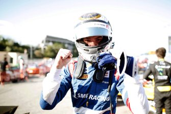 Robert Shwartzman, PREMA Racing celebrates after taking pole position