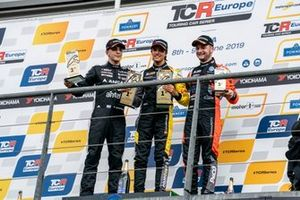 Podyum: Yarış galibi Gilles Magnus, Comtoyou Racing Audi RS 3 LMS, 2. Santiago Urrutia, Team WRT Audi RS 3 LMS, 3. Maxime Potty, Team WRT Volkswagen Golf GTI TCR