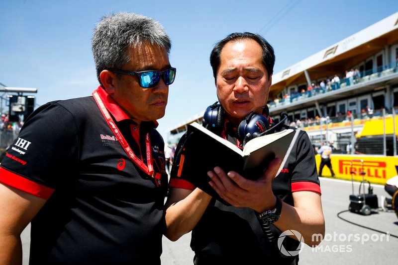 Masashi Yamamoto, General Manager, Honda Motorsport, e Toyoharu Tanabe, F1 Technical Director, Honda