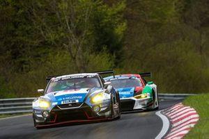 #38 KCMG Nissan GT-R Nismo GT3: Christian Menzel, Philipp Wlazik