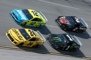William Byron, Hendrick Motorsports, Chevrolet Camaro Hertz, Ryan Blaney, Team Penske, Ford Mustang Menards/Knauf