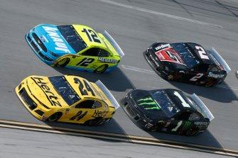 William Byron, Hendrick Motorsports, Chevrolet Camaro Hertz Ryan Blaney, Team Penske, Ford Mustang Menards/Knauf