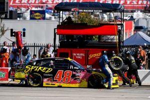 Jade Buford, Big Machine Racing, Chevrolet Camaro Big Machine Spiked Coolers, pit stop