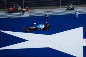 Fernando Alonso, Alpine A521, s'arrête