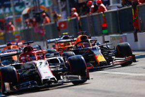 Kimi Raikkonen, Alfa Romeo Racing C39, Max Verstappen, Red Bull Racing RB16, and Lando Norris, McLaren MCL35