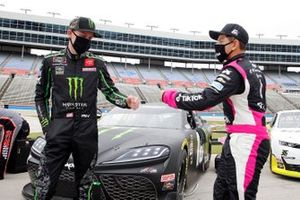 Riley Herbst, Joe Gibbs Racing, Toyota Supra Monster Energy, Ryan Vargas, JD Motorsports, Chevrolet Camaro TikTok