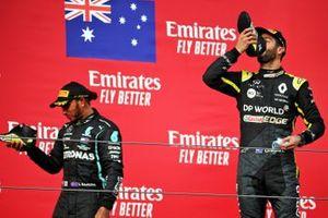 Podium: third place Daniel Ricciardo, Renault F1 Team, race winner Lewis Hamilton, Mercedes F1,