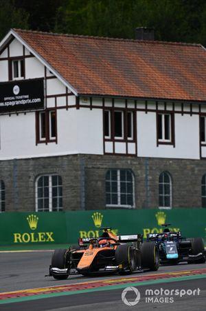 Jack Aitken, Campos Racing, leads Juri Vips, Dams