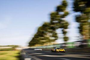#70 Mr Racing Ferrari 488 GTE Evo: Kei Cozzolino, Takeshi Kimura, Vincent Abril