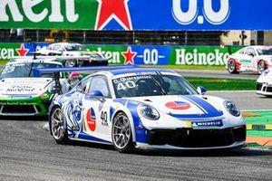 Gianmarco Quaresmini, Dinamic Motorsport, leads Marvin Klein, martinet by Almeras