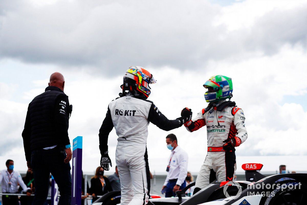 Edoardo Mortara, Venturi Racing, terzo classificato, si congratula con Lucas Di Grassi, Audi Sport ABT Schaeffler, primo classificato, nel Parco Chiuso