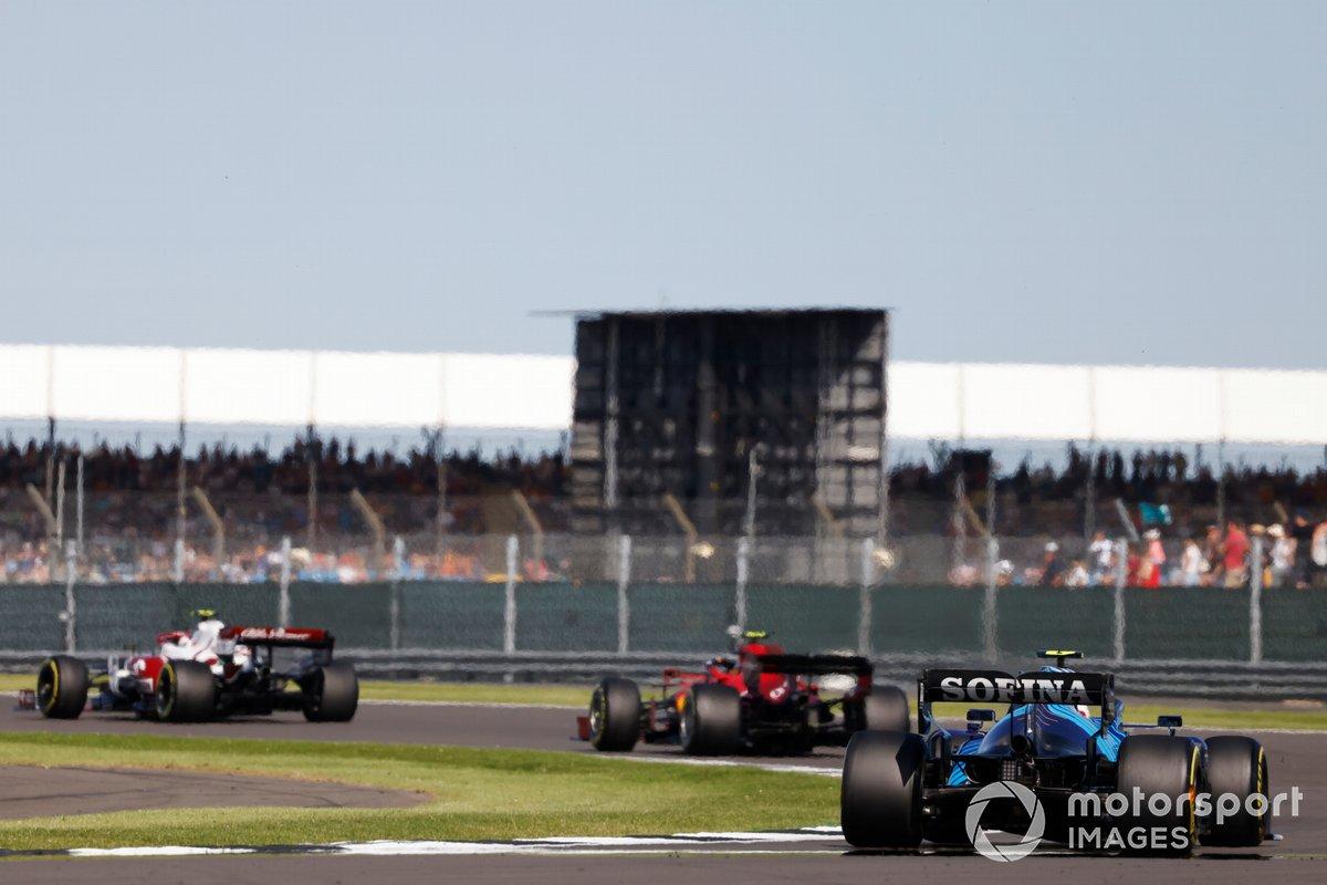 Antonio Giovinazzi, Alfa Romeo Racing C41, Carlos Sainz Jr., Ferrari SF21, Nicholas Latifi, Williams FW43B