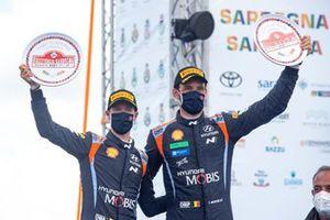 Podium: les 3ᵉ Thierry Neuville, Martijn Wydaeghe, Hyundai Motorsport Hyundai i20 Coupe WRC