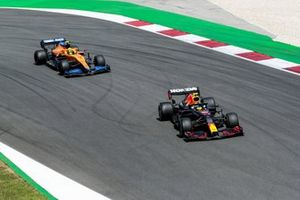Серхио Перес, Red Bull Racing RB16B, Ландо Норрис, McLaren MCL35M