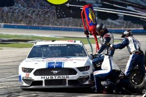 Chase Briscoe, Stewart-Haas Racing, Ford Mustang Ford Performance Racing School pit stop