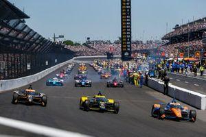 Scott Dixon, Chip Ganassi Racing Honda, Colton Herta, Andretti Autosport Honda, Rinus VeeKay, Ed Carpenter Racing Chevrolet