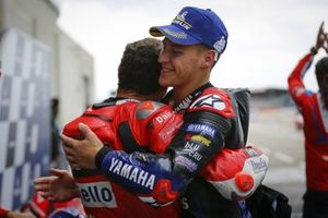 Ganador Jack Miller, Ducati Team, tercer lugar Fabio Quartararo, Yamaha Factory Racing