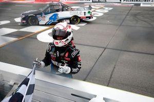 Race winner John Hunter Nemechek, Kyle Busch Motorsports, Toyota Tundra Power Up Premium Trail Mix