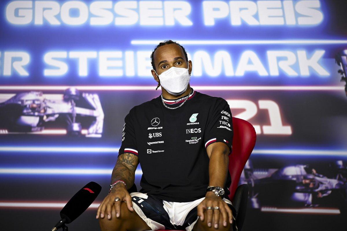 Lewis Hamilton, Mercedes en la conferencia de prensa
