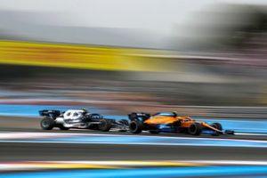 Lando Norris, McLaren MCL35M, leads Pierre Gasly, AlphaTauri AT02