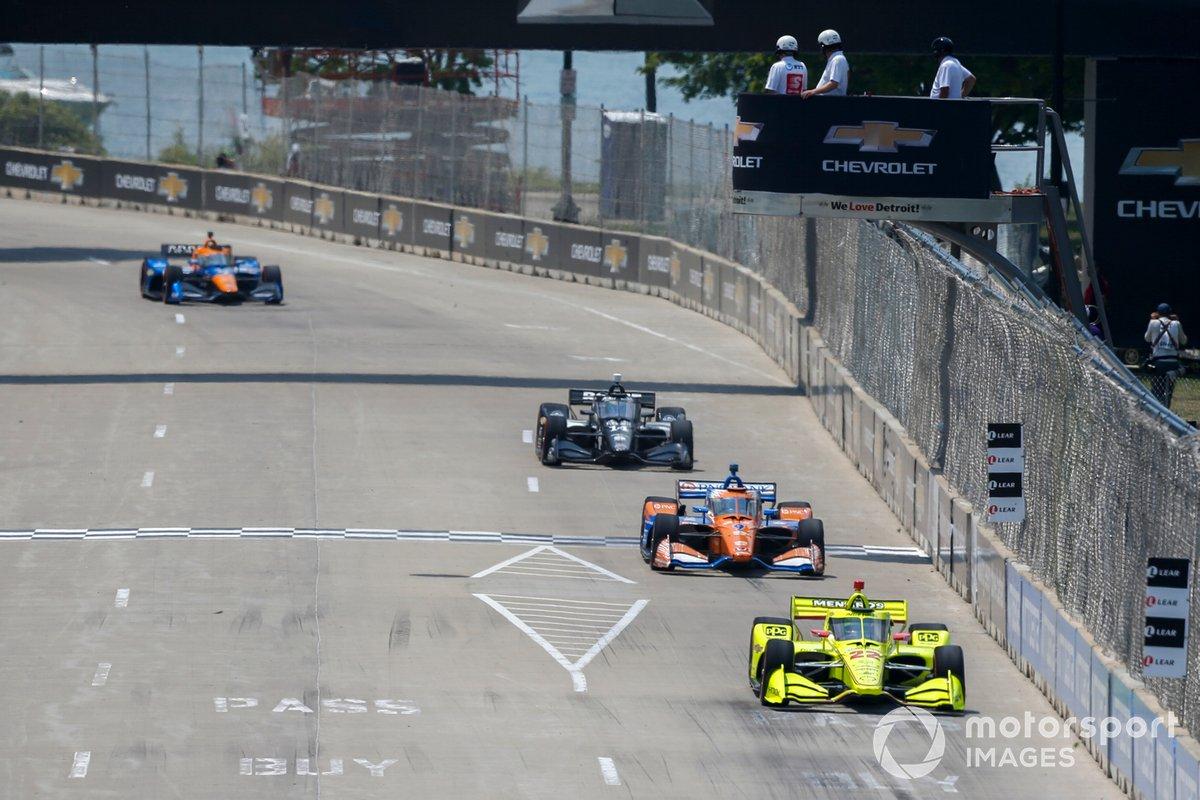 Simon Pagenaud, Team Penske Chevrolet, Scott Dixon, Chip Ganassi Racing Honda, Sebastien Bourdais, A.J. Foyt Enterprises Chevrolet