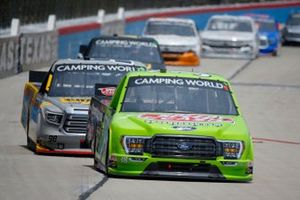 Todd Gilliland, Front Row Motorsports, Ford F-150 Speedy Cash, Grant Enfinger, ThorSport Racing, Toyota Tundra Champion/Curb Records