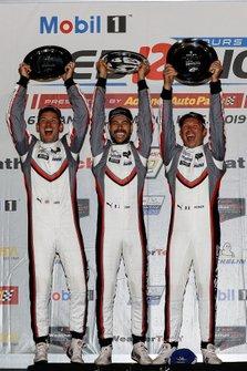 Podio: #911 Porsche GT Team Porsche 911 RSR, GTLM: Patrick Pilet, Nick Tandy, Frederic Makowiecki