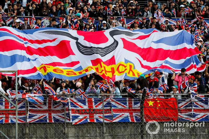 Support from the crowd for Lewis Hamilton, Mercedes AMG F1