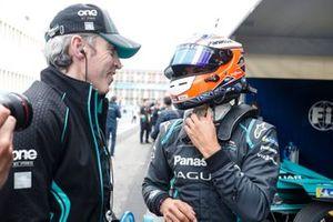 Mitch Evans, Panasonic Jaguar Racing, with a team member.