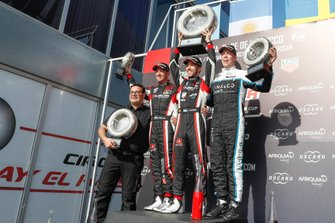 Podium: winnaar Esteban Guerrieri, ALL-INKL.COM Münnich Motorsport Honda Civic Type R TCR, tweede Thed Björk, Cyan Racing Lynk & Co 03 TCR, derde Néstor Girolami, ALL-INKL.COM Münnich Motorsport Honda Civic Type R TCR