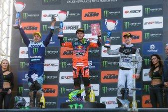 Antonio Cairoli, Clément Desalle y Tim Gajser en el podio