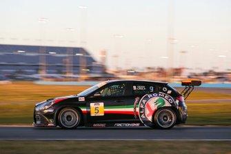 #5 KMW Motorsports with TMR Engineering Alfa Romeo Giulietta TCR, TCR: Roy Block, Tim Lewis Jr
