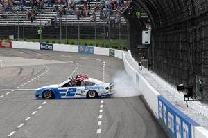 Yarış galibi Brad Keselowski, Team Penske, Ford Mustang Reese/DrawTite