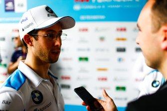 Alexander Sims, BMW i Andretti Motorsports, parla con la stampa