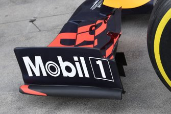 Une dérive d'aileron avant de la Red Bull Racing RB15