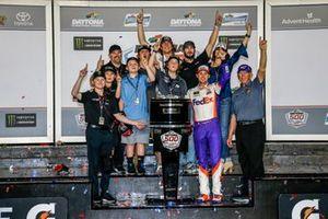 Denny Hamlin, Joe Gibbs Racing, Toyota Camry FedEx Express in Victory Lane with the Gibbs family