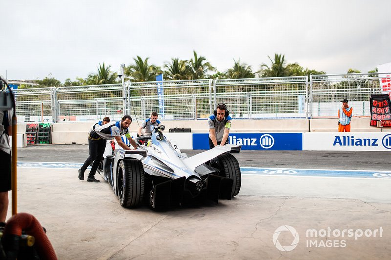 Felipe Massa, Venturi Formula E, Venturi VFE05, is pushed into the garage